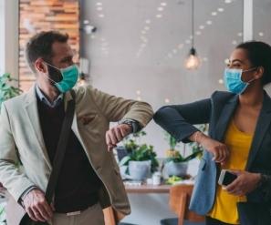 El cubrebocas en la época postpandemia